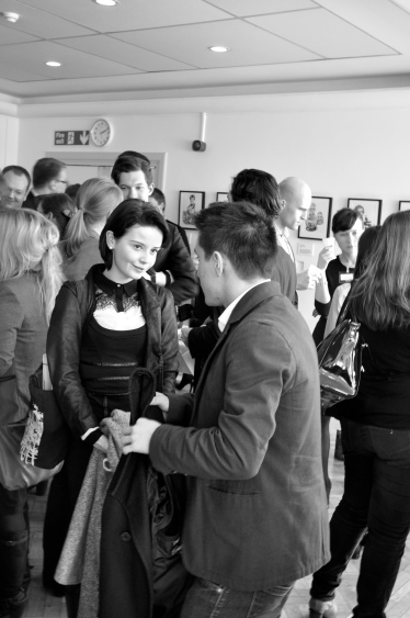 Eager graduates networking during the lunch break - © Anna-Cara Keim