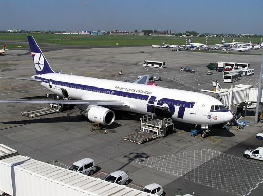 A LOT Boeing 767 at Poznan Airport - source: wikipedia.pl