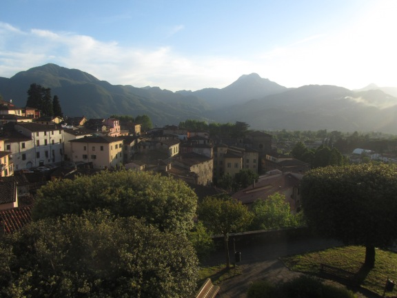 Tuscan Hillside Town - © Mateusz Zatonski